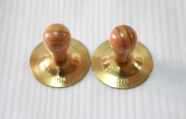 F68A 小指鈸2吋(付)木珠 1