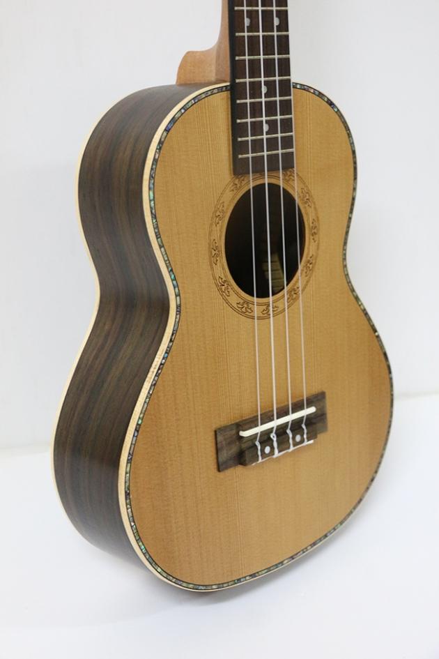 AG26A-26吋 烏克麗麗-面單紅松木/側後玫瑰木(附袋) 定價6200 2