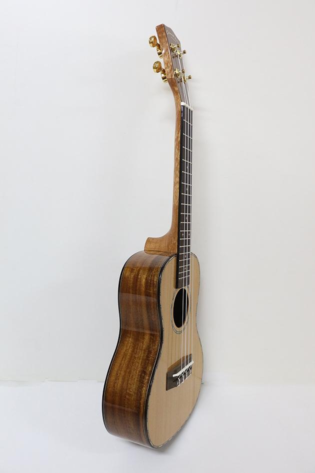 AG23F-23吋 烏克麗麗-面單板紅松 側後相思木(亮面) 定價5000 2