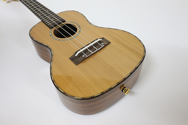 AG23F-23吋 烏克麗麗-面單板紅松 側後相思木(亮面) 定價5000 4